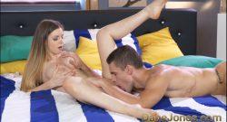 คู่รักสาวสวยหล่อวัยนักเรียนแอบมาเย็ดกันในห้องนอนวันหยุดของทั้งสองนมใหญ่ขาวมาก