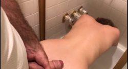 พี่ชายที่ตามน้องไปห้องน้ำก่อนที่จะจับเย็ดก่อนอาบน้ำงานนี้โครตคุ้ม