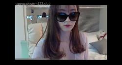 นางแบบสาวสวยเกาหลีเงี่ยนเปิดกล้องโชว์นมขาว
