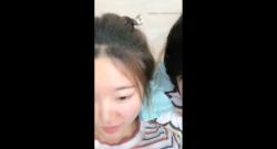 วัยรุ่นจีนนักเรียนมาซอยกันในวันหยุด